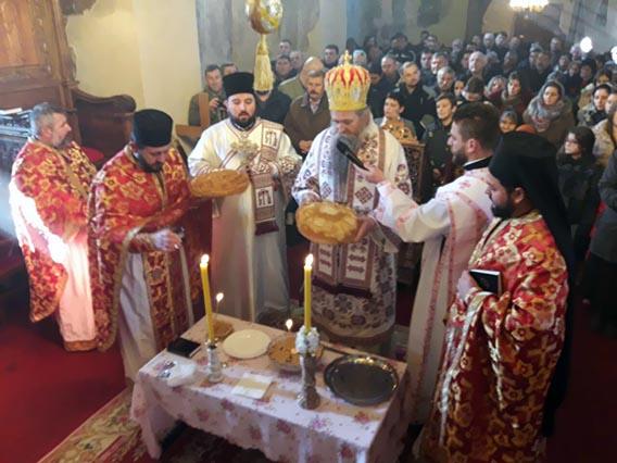 На Савиндан Епископ Јоаникије служио Литургију у манастиру Милешева