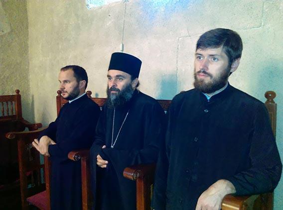 Литургијско сабрање у манастиру Милешева