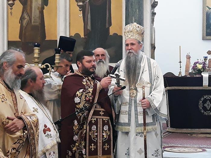 Крстовдан торжествено прослављен у никшићком Саборном храму крај Моштију Светог Арсенија