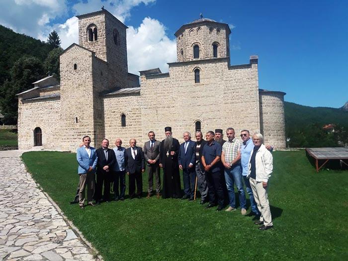 Епископ Јоаникије примио чланове почасног предсједништва Удружења Васојевића